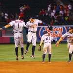 #HandshakesAndHighFives after a 7-1 #Astros win over the Angels! https://t.co/YI31l2Cw8R