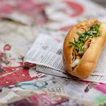 How #French #bread became part of #Vietnams #signature #sandwich. https://t.co/hrAiyuqUTW #banhmi #streetfood https://t.co/jnOOByY7lM