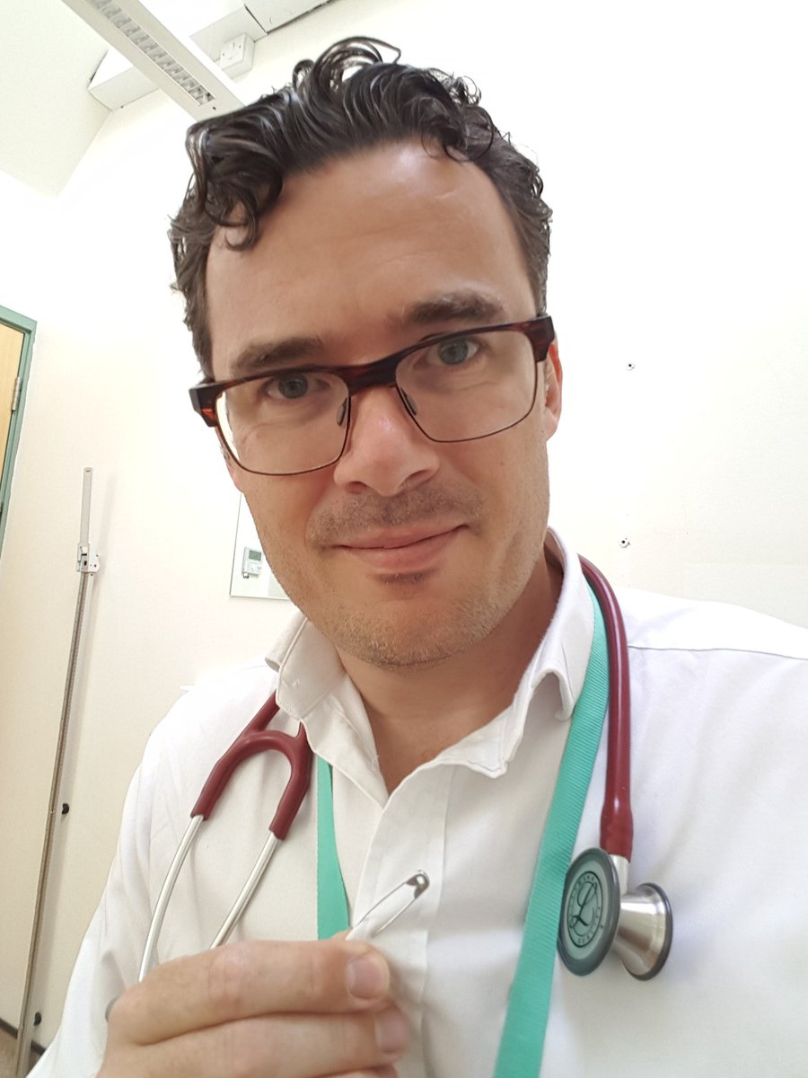 No piercing, so my #safetypin is going next to the other symbol of helping others - my stethoscope https://t.co/u5aOhpHYWc