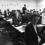 massive phone bank this evening - with @SenatorLudlam, @SenatorSiewert and @ChristineMilne jumping on the phones! 💚 https://t.co/Yu6r8RhebP