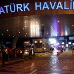 Turquía: el rescate de los heridos tras las explosiones en el aeropuerto de Estambul https://t.co/WQ1n8w9P2g https://t.co/ZdJ9SPy91J