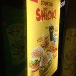 Omg the NEW McDonalds menu 😍😍😍 https://t.co/DHBCxlPjzV