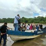Por horas la GNB nos retuvo en una alcabala. No nos dejaron entrar a Tucupita. Seguimos en curiara #RescateVenezuela https://t.co/xox0SZTwtw