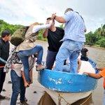 La Guardia Nacional no nos dejó entrar a Delta Amacuro por carretera, pero nos vamos en curiara! #RescateVenezuela https://t.co/WwlNQ6x0fG