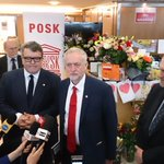 .@jeremycorbyn at @posklondon: We have come here to show solidarity with #PolesinUK. Hate crime is not acceptable. https://t.co/UzoUbjKbZW