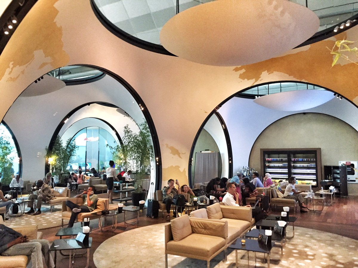 Istanbul @TurkishAirlines lounge. #Turkey is a beautiful & hospitable country. Don't let fear win. #keeptraveling https://t.co/ODYeHP0Ncy