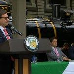 Nuestro visionario Gobernador @Luis_Perez_G en la firma de la sociedad del Ferrocarril de Antioquia #PiensaEnGrande https://t.co/XYTTp5tiw3