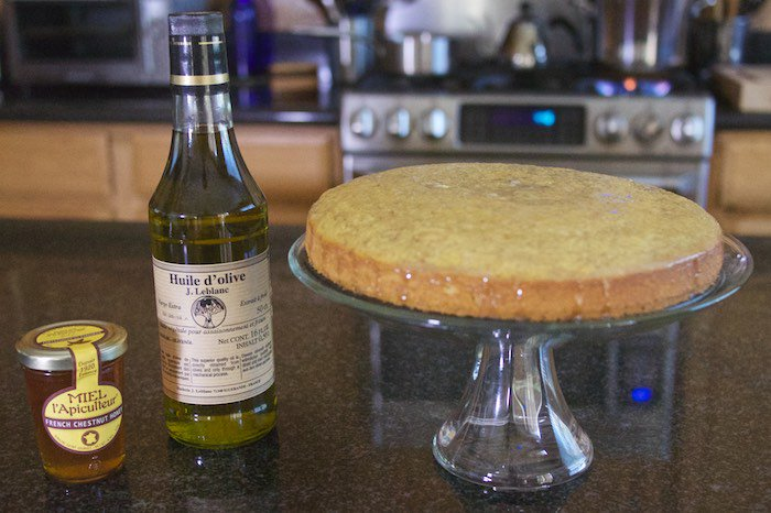 Invite me to #CookoutWeek & I bring dessert. https://t.co/S8AoAYUl0j  Olive Oil & Honey Cake @The_French_Farm https://t.co/0yMjczMc56