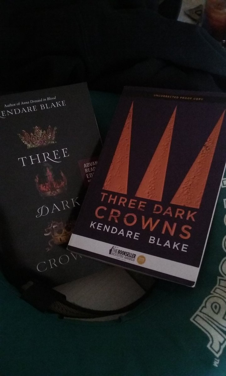 To celebrate its Kirkus star, I'm giving away my last two Three Dark Crowns ARCs. RT by 7/1 to enter, intl ok! https://t.co/iXg1hVuYXa