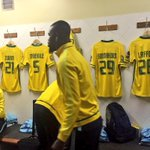 The boys putting in the final touches with the tech team ahead of kick off. #Sundowns #DownsLive #CAFCL https://t.co/tg3sFmYdUR