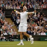 Marcus Williss #Wimbledon run is brought to an end by Roger Federer, but what a story! ???? https://t.co/VTdt3YtWS5