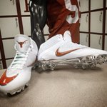 Vapor Speed 2 3/4 #hookem #letsride #believe #nikefootball https://t.co/JaSyGFTbWX