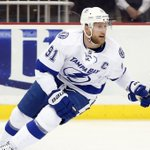 Steven Stamkos reportedly isnt going anywhere as he agrees to a new deal with @TBLightning https://t.co/EjCdWuxzNV https://t.co/ODdQgIeb2Y