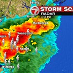 Thunderstorm interacting with the sea breeze front...impressive. Brief heavy rain & lightning greatest risk. #7news https://t.co/A9HezrH78n