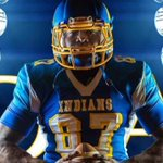 """65"""" 275 lbs of man! @sneakerhad_greg ,rising junior with over 15 power five offers and he is playing in the classic https://t.co/3T0M9vl68Z"""