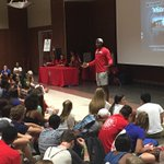 @_BoutItBoutIt_ and @Cajunbasketball speaking at freshman orientation in new @UL_Union! Great night! #GeauxCajuns https://t.co/14aCVGg0BS