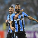 Douglas pelo #Grêmio: • 206 jogos • 39 gols • 33 assistências Em 2016: • 29 jogos • 5 gols • 5 assistências https://t.co/bMKfJBtLU5