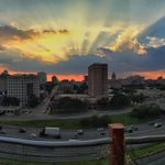 Another beautiful Central Texas #sunset. #atx #rooftop #downtownaustin #austintx #Texas https://t.co/OXglknYURv