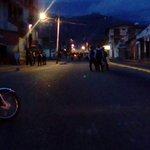 Continúa situación tensa en Ejido estado Mérida, por protestas por hambre ya lleva más de 8 horas! https://t.co/mZeFrvpLhS