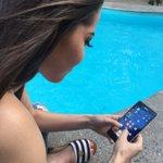 Algo bueno del #Lumia 950XL es que puedes mover el teclado a cualquier parte de la pantalla, me encanta! ???? https://t.co/qAgvZPbg6P