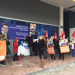 Union members holding a snap protest to defend Penalty Rates. #SaveOurWeekends #AusVotes https://t.co/8exeGqzu84