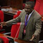 Joseph Mbilinyi SUGU amesimamishwa kushiriki vikao 10 vya bunge baada ya kuonyesha dole la kati bungeni https://t.co/R2FxTXFxu7