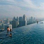 للحظات تخيل معايا انك في المكان ده اعلي حمام سباحة في العالم ♥ عززززززززز ♥ https://t.co/qe484esp4T