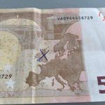 Jemand hat sein Geld aktualisiert ... https://t.co/n2RAcNFP8P