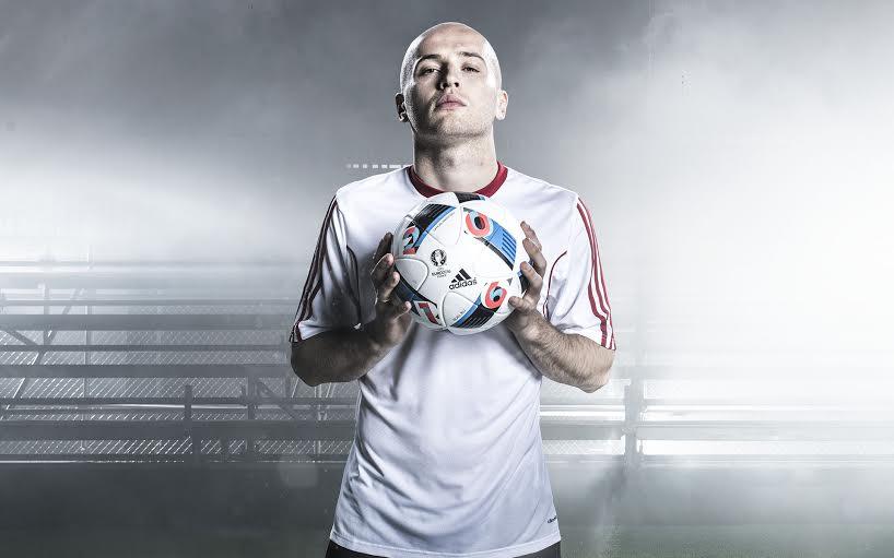 Zretweetuj tego tweeta i wygraj używaną piłkę meczową od @adidasfootball z meczu #POL – #SUI! #FirstNeverFollows https://t.co/hbeaTKJFGI