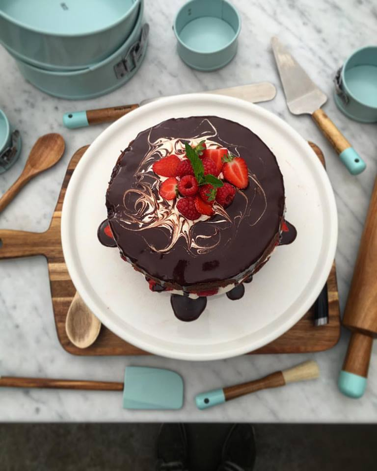 An old school Recipe Chocolate Surprise Cake. A trusted sponge recipe from Naked Chef book 2 for bday moments Jox https://t.co/JtqoWi1q2L