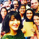 .@shrutihaasan Beautiful Selfie with Fans in #SIIMA2016 Singapore :) #livemithila https://t.co/iketaSGv2h