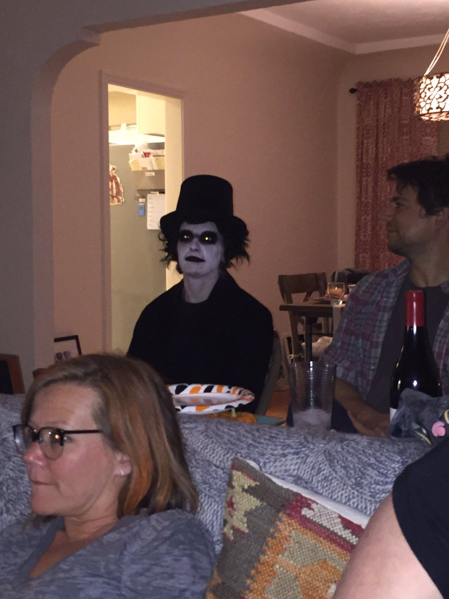 Tbt to Halloween when I dressed as the babadook but my friend's house had more of a grown ups drinking wine vibe https://t.co/PoGKUFeLLw