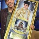 @mariobautista_  recibe su primer disco de oro ¡Muchas felicidades! #MarioBautistaDiscoDeOro https://t.co/SKgN6m1z5Y