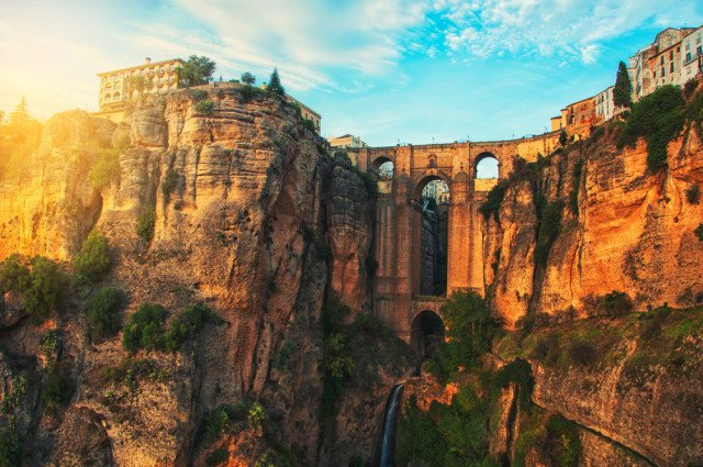 One of Andalusia's most spectacularly sited cities - help, help me, Ronda!