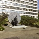 Statue of Jamaican-born Mary Seacole, nurse in the Crimean War, is unveiled outside St Thomas hospital https://t.co/P1UxdEvIhB