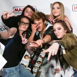 THREE DAYS until #MagconDownUnder fans can take selfies like this with @CameronDallas! ???????? https://t.co/nHriWsNlq4