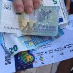 Ein Fan aus Österreich bekommt gerade 30 Euro. Originalpreis: 135 Euro. #POLPOR https://t.co/WJFtHXsk4C