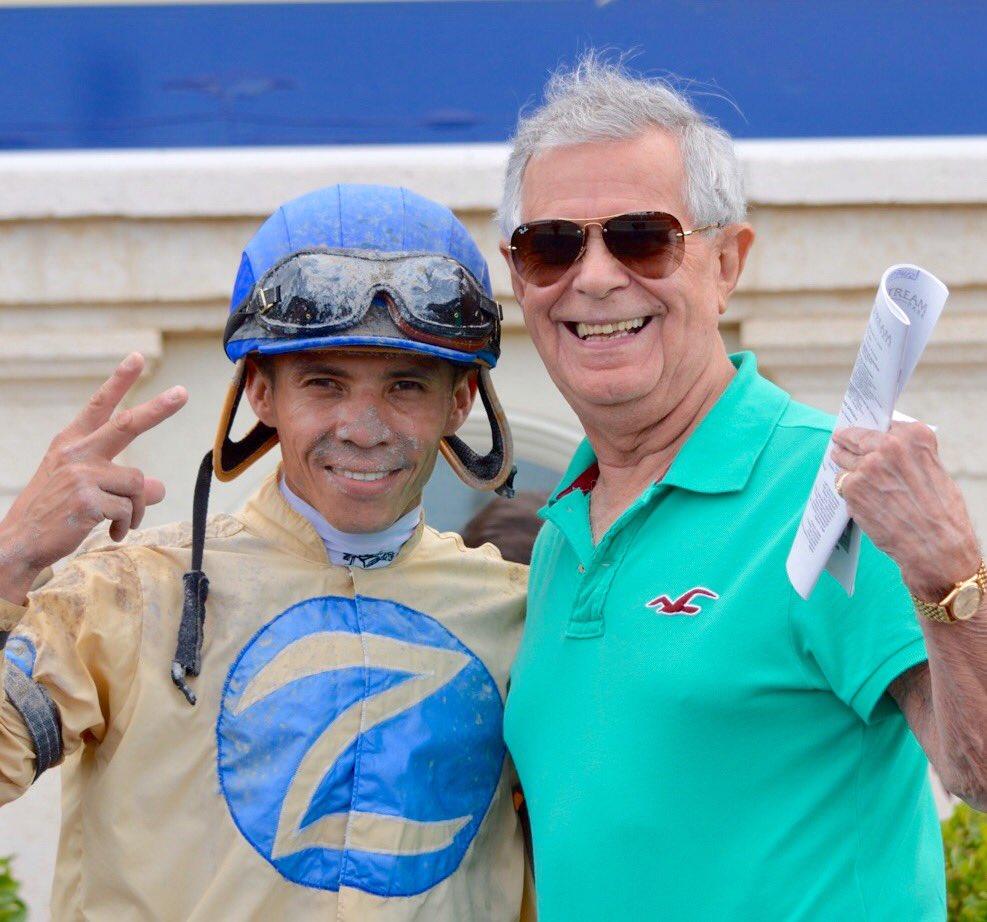 One picture, two Venezuelan Champions: @jaramillojockey & @gustavoavilacom (@KentuckyDerby winner with Canonero II) https://t.co/VxKZoF3dO9