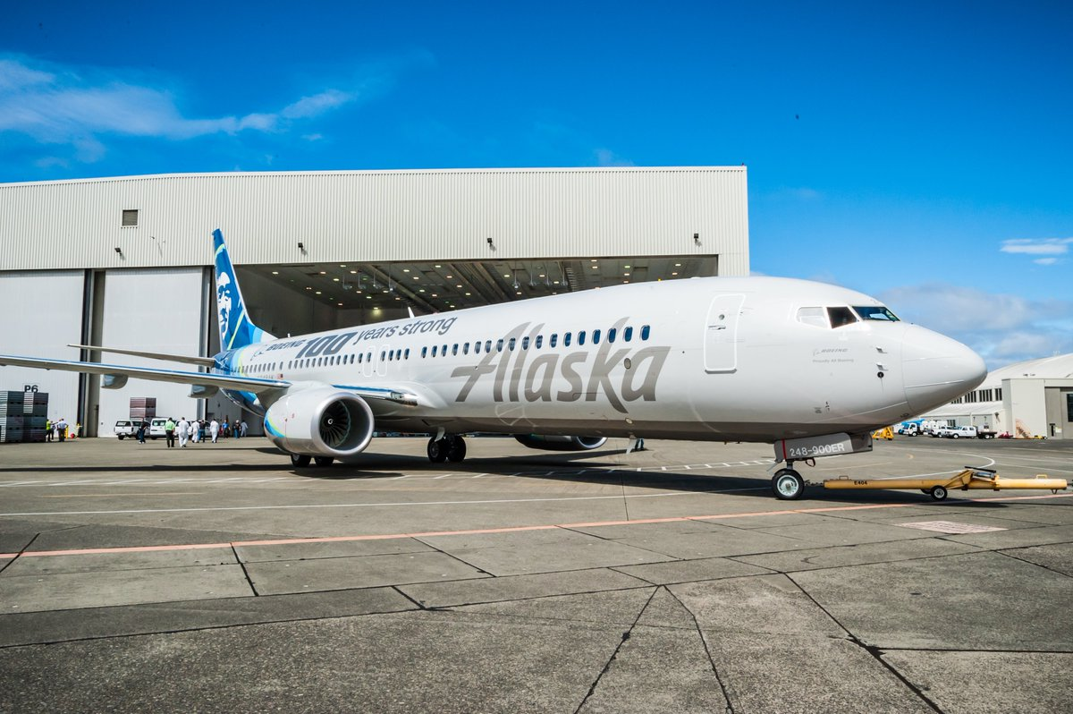RT @BoeingAirplanes: Proud to see @AlaskaAir's new 737 sporting a Centennial livery. Photos: Boeing100 https://t.c…