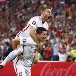 Reakcja Kuby po golu... Jak nie kochać tej drużyny? #POLPOR https://t.co/LV6vjLjjjo