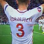 Un detalle que los jugadores de Polonia lleven la clave de WIFI del estadio en sus camisetas. #EURO2016 #POLPOR https://t.co/dfBCvXwG5a
