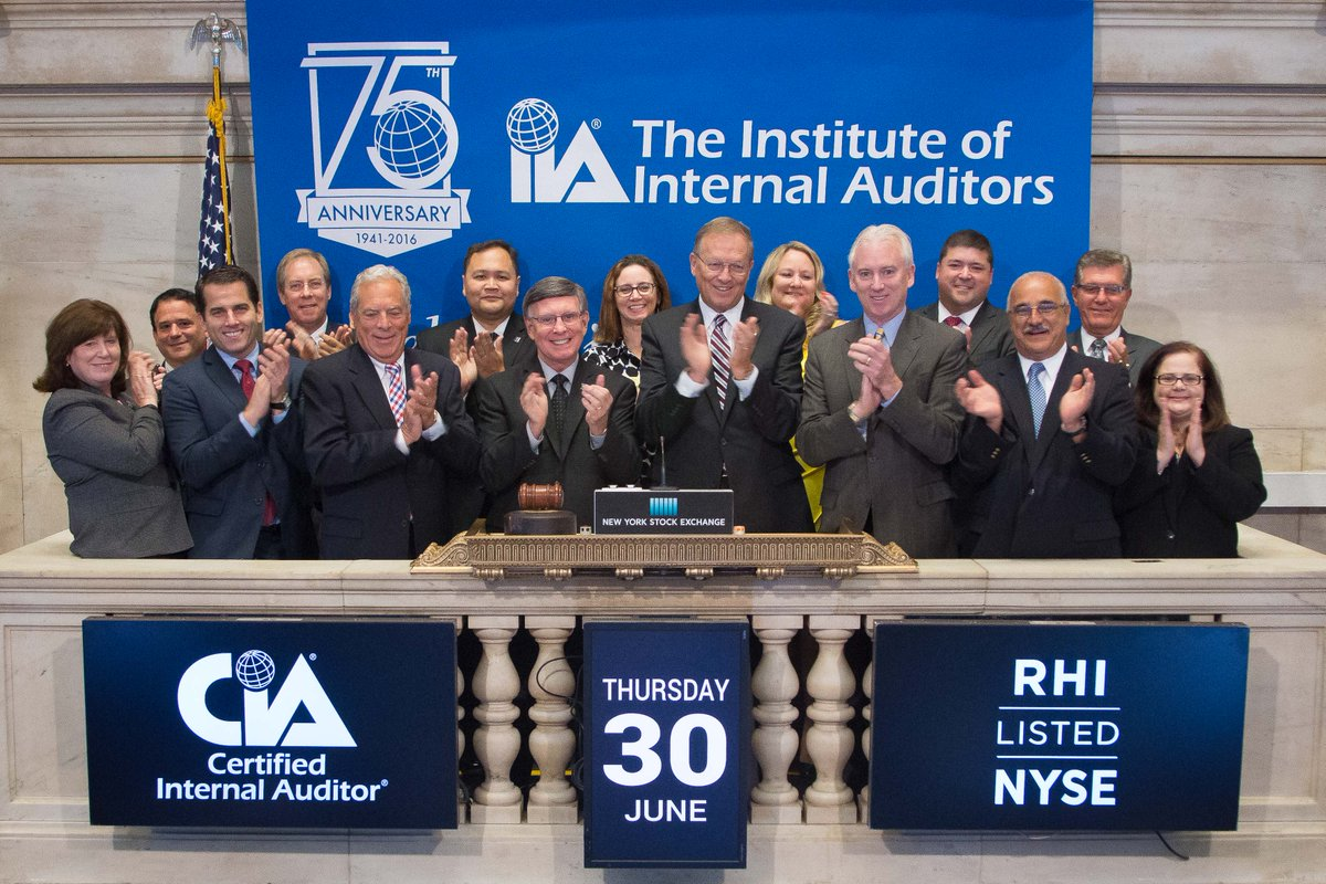 Watch video: @rfchambers and Denny Beran ring the Opening Bell @NYSE in honor of #IIA75! https://t.co/uxTEk46H5T https://t.co/DBBqcbQ4ya
