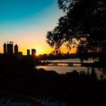 #perth #sunrise #perth skyline #perthisok #justanotherdayinWA https://t.co/GewOK3QHFK