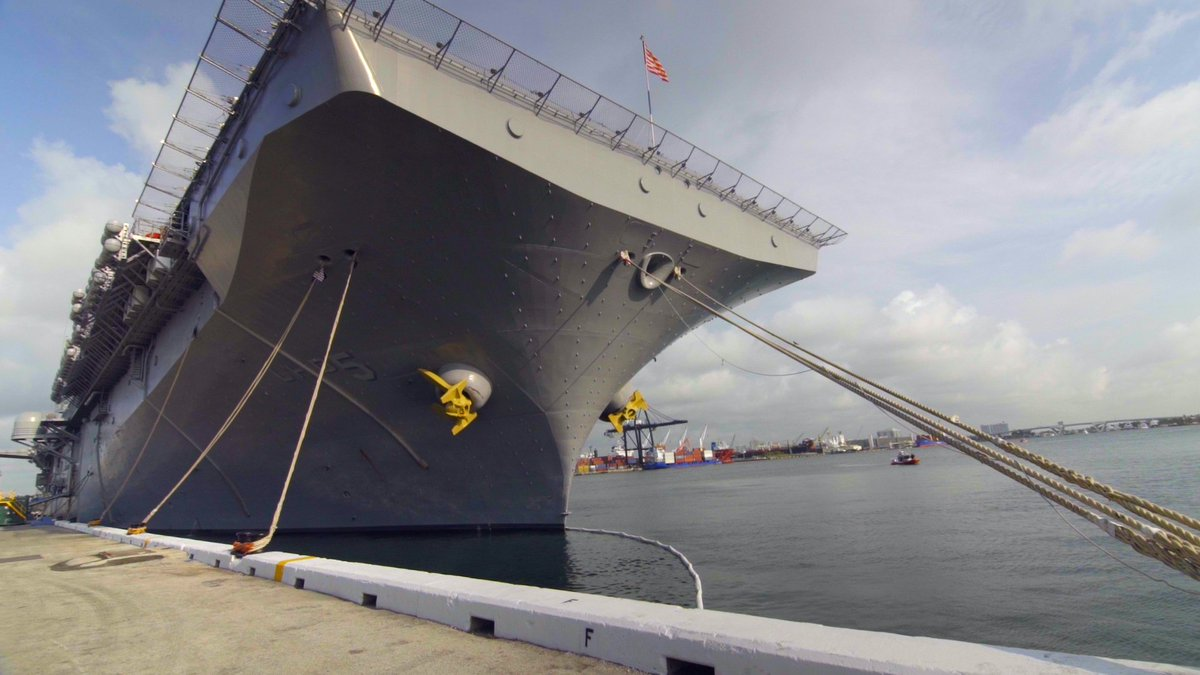 Have you ever toured a U.S. Navy ship? @VISTIFLORIDA #ad https://t.co/uy0Fm5BE6q #LoveFL https://t.co/5D31o9aMZ8