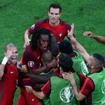 18-years old ✔️ Scores the equaliser ✔️ Steps up & scores a penalty ✔️ Renato Sanches. #POR https://t.co/lmG8uFXRMS