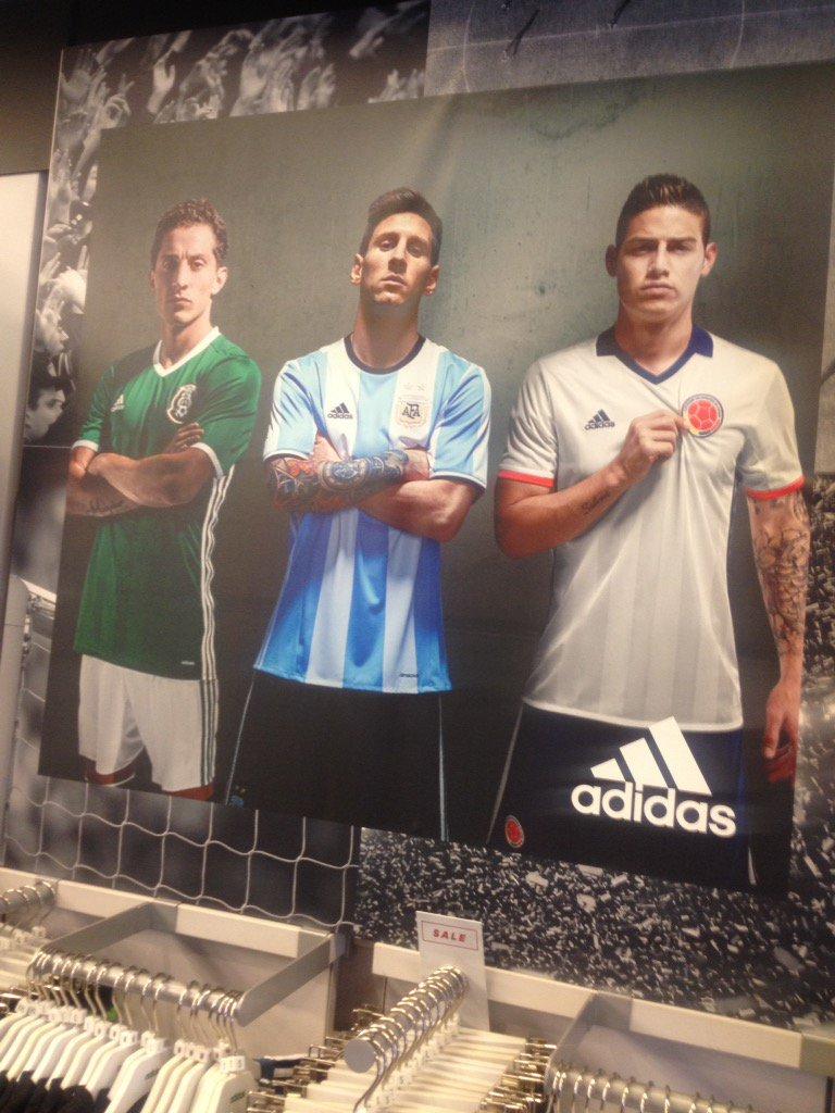 Este es el mejor aviso que he visto de Nike y la Selección chilena https://t.co/Y3Gq9lGEYX