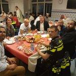 Gezellige iftar in de Marokkaanse moskee Kanaleneiland met aanwezigheid van partners uit de wijk @DOENJAutrecht https://t.co/MuclDMkYRe