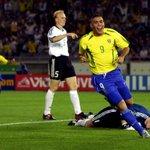 Hoy hace 14 años, O Fenómeno le anotaba 2 goles a Oliver Kahn y Brasil se coronaba pentacampeón del mundo... https://t.co/hoWcJ8RaZY