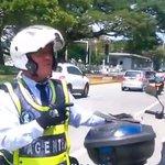 #CaliCo En video: el agente de Tránsito de Cali que pone multas a ritmo de salsa https://t.co/WtNdShQZE6 https://t.co/UvWysF1Vco