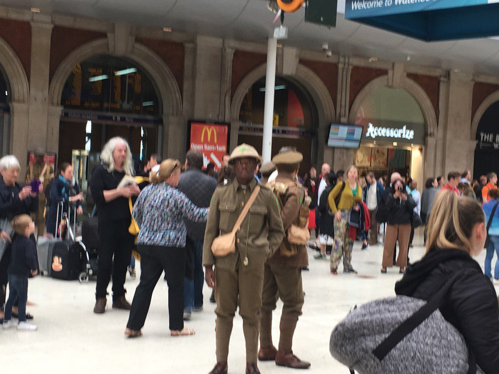 Wasn't sure how I felt about actors dressing up as soldiers at Waterloo station...(1/2) https://t.co/4f2UtPqugg